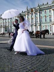 Boda en el Hermitage (PhotoSebastian) Tags: sanpetersburgo rusia hermitage boda wedding ciudad city museo edificio square