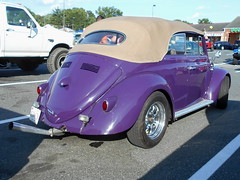 1958 Volkswagen Beetle Convertible (splattergraphics) Tags: 1958 volkswagen beetle convertible cabriolet volksrod vw carshow baltimorecancersupportgroup joppatowneshoppingplaza joppamd