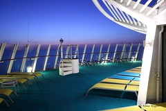 On Deck (Klaus R. aus O.) Tags: andeck schiff schiffsdeck deck treppe aussicht morgenrot fernglas reise kreuzfahrt urlaub morgen frh meer ruhe farben liegen onboard ship shipdeck stairway view binoculars travel cruise vacation tomorrow early sea quiet todye lie