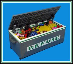 Things people throw away (Karf Oohlu) Tags: lego moc vignette mecha droid robot trash skip rubbish throwaway dumped rubbishbin dumpster wheels foodscraps