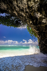 Rushing IN (Kitonium) Tags: beach sand sandy cave green bowl sky sea bali indonesia bali2016 sony a7m2 instagram latergram nofilter sunny day lonely planet travel travelgram travelling picoftheday photooftheday travelphotography landscape landscapes water outdoor