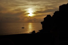 peaceful sunset (fab_doc) Tags: sunset sea italy beach landscape boat paradise peace liguria peaceful terre cinque