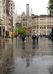 New York 349 (Wy@rt) Tags: bw ny newyork rain us manhattan vs unionsquare bigapple