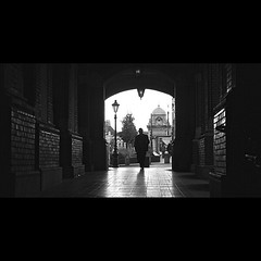 Noir Gentleman #allshots_ #blackandwhite #big_shotz #cityscape #city #capture_today #exklusive_shot #featuremeinstagood #exploringtheglobe #global_family #gf_daily #hot_shotz #ig_creativepics #latergram #Noir #photooftheday #phototag_it # (robertgbannister) Tags: instagramapp square squareformat iphoneography uploaded:by=instagram robbannister robertbannister robertbannisterphotographer robbannisterphotography rgb rgbphotography creative derbyshire nottingham day night light silhouette people city documentary street art blackandwhite bnw mono dark design lowlight contrast