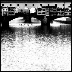"""""""Dull would he be of soul who could pass by""""  W. Wordsworth (Herminio.) Tags: italy water boat florence agua barca italia canoe tuscany florencia rowing arno toscana bateau toscane rem italie aigua pontevecchio remo piragua leau pontvell cano itlia aviron florncia puenteviejo lepontevecchio"""