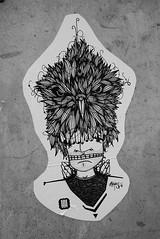 the guard at Buckingham (HBA_JIJO) Tags: urban streetart paris france bird pasteup art paper wheatpaste moyoshi