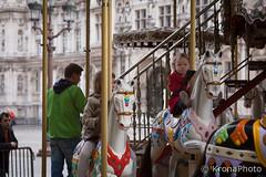 Paris Carousel (KronaPhoto) Tags: street people paris france kids barn fun happy spring play carousel lek vr karusell personer mennesker gatefoto