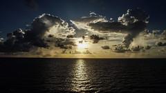 As luzes vivas (faneitzke) Tags: ocean sunset sea summer sky sun nature clouds contrast mar natureza cu prdosol contraste caribbean caribe caribbeansea
