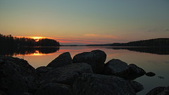 Sunset on the rocks (p.kanki) Tags: lake water clouds finland landscape