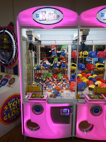 Mario & Luigi Claw Machine