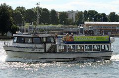 Wellam Helsinki zoo ferry Finland (David Russell UK) Tags: wellam boat ship vessel vehicle transport public ferry ferries helsinki zoo finland water sea ocean baltic harbour