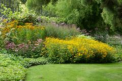 Abundance of summer flowers in the Jardin du Luxembourg (Monceau) Tags: jardinduluxembourg abundance summer flowers