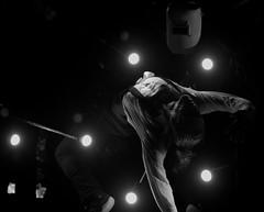 Cirque - Crépuscule - Ravivez les braises - Ville de Québec - FlipFabrique (eburriel) Tags: cirque flip fabrique québec circo circus agora 2016 nikon eburriel acrobate artist show spectacle gratuit free port summer été canada plaisir pleasure light night nuit noche souvenir photo 马戏团 цирк ville performance crépuscule flipfabrique olivier normand circa action burriel emmanuel