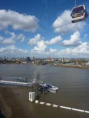 Quantum Cloud (suzigun) Tags: greenwichpeninsula emiratesairline cablecar thames river sculpture anthonygormley