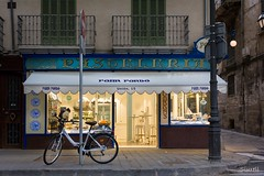 Forn Fondo (Siurell Blr) Tags: baleares balearicislands fornfondo illesbalears islasbaleares palma espaa panaderia bakery boulangerie confiserie bckerei konditorei storefront escaparate