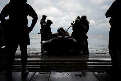 161004-N-JH293-103 (CTF 76) Tags: ussgb greenbay ussgreenbay lpd20 japan sasebo underway bhr esg cpr11 ctf76 patrol deployed us7thfleet pacific ocean water navy marines usmc 31meu vmm262 nbu7 lcac lcu na philippines jpn