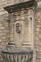 La fontaine du fumeur barbu. (Claudia Sc.) Tags: provence lubron france