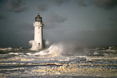 Perch Rock lighthouse (pentlandpirate) Tags: waves wind tide gale spray mersey wirral newbrighton perchrocklighthouse