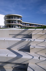 Bexhill Sea Front The De La Warr Pavilion Art deco (Mal B) Tags: uk art beach architecture de coast la seaside brighton pavilion artdeco deco the bexhill delawarrpavilion warr travelon5photosaday