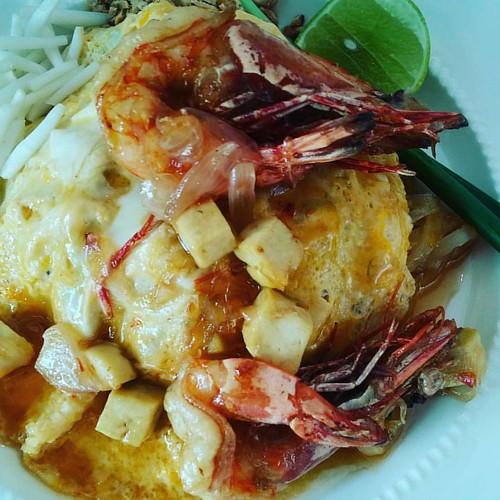 Best Padthai in Hua Hin <3  #HuaHin #Cafe #WhiteHome #Thailand #WhereToEat #Restaurant #Food #Dessert #Drink #FoodLover #FoodMania #Instafood #FoodBible #Thaifood