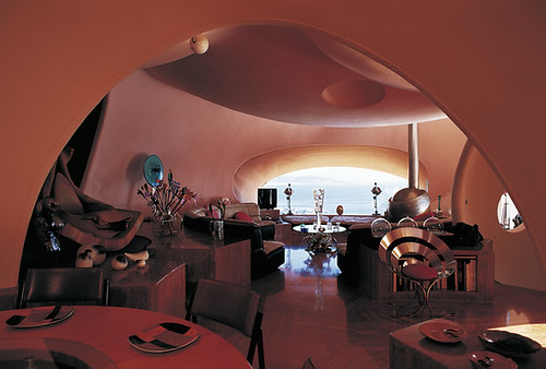 Особняк Palais Bulles в Франции