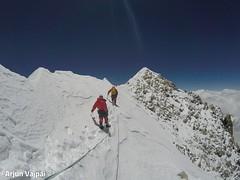 002-Arribant al Cim-Arjun (ferran_latorre) Tags: nepal summit alpinismo montaa makalu cumbre ferranlatorre cat14x8000 hanswenxl arjunvajpai boyanpetrov