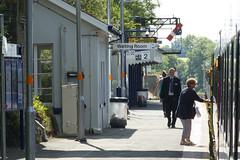 20150625 012 Liskeard. Up Platform, Arrival Of The Up 'Cornish Riviera' 1A81 09.44  Penzance - Paddington (15038) Tags: station buildings br platform trains railways britishrail liskeard
