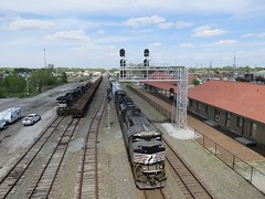 Norfolk Southern Chicago Line / MP 463 Westbound (codeeightythree) Tags: nyc station train platform mow signal freight norfolksouthern cantilever laporte newyorkcentral laporteindiana maintenanceofway norfolksouthernrailroad norfolksouthernchicagoline laportesiding