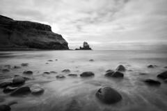 Talisker Bay (Matteonibo) Tags: scotland talisker leica mm monochrom monochrome elmarit 21 longexposure