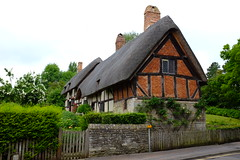 Anne Hathaway's House. (geedub611) Tags: house brick history farmhouse cottage historical thatch brickwork stratforduponavon
