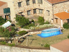 La Finca con la Piscina (brujulea) Tags: brujulea casas rurales espeja san marcelino soria chimenea finca con piscina