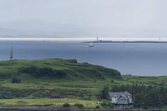 Vue depuis la McCaig's Tower, avec l'île de Kerrera en avant-plan et Eilean Musdile à l'horizon