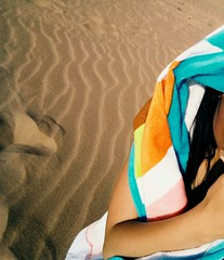 *Dos veces vimos la misma arena. Nunca somos los mismos. Es tiempo, amada gente, de largarnos...* #Tanger #Marruecos (ydimarnaime) Tags: marruecos tanger