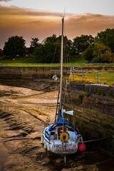 Tuffieha boat river Mersey low tide (Si Bart) Tags: rivermersey boat tuffieha low tide mud widnes spike island