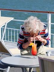 """""""Madame"""" und ihr Cocktail / """"Madame"""" and her cocktail (krinkel) Tags: nikon donau cruise cocktail madame lady danube schiff ship hair kreuzfahrt"""