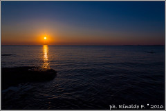 sunset.puntasuina@salento.it (Rinaldofr) Tags: canon6d salento estate summer italia puglia puntasuina nature landscape sunset reflexes sun sky orange sea