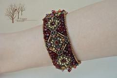crimson heart bracelet_6 (~Gilven~) Tags: bead beads beading beadembroidery embroidery emblem japanesebeads jewelry jewelryfindingsbyannachernykh red bracelet medieval metal foggyforest