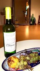 #tariquet #vin #blancsec #naturemorte #fruitspourris #wine #summer #t #posey #oklm #love (marinemnj) Tags: tariquet vin blancsec naturemorte fruitspourris wine summer t posey oklm love