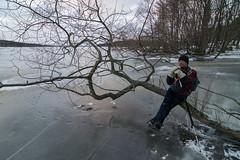 Bra sittplats (David Thyberg) Tags: winter ice nature sweden skating skate sverige mlaren 2014 sigtuna lngfrdsskridsko