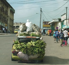 Auto in Douala#Bananen# Landwirrtschaft#Fairtrade
