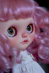 Nube (toletoledolls (New Account - Add me, please ^^)) Tags: pink cute love ex me fleurs mouth carved eyes doll dolls hand open charlotte painted curls carving des pearl blythe freckles tole simply nube scalp rbl toletole