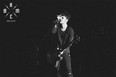 29 (reaoubien) Tags: leica blackandwhite bw monochrome live rocknroll brmc photoworks stagephotography petehayes reaoubien
