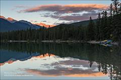 Edith Lake, Jasper National Park (Anna & Oskar) Tags: travel viaje sunset lake canada water canon landscape lago atardecer agua paisaje can alberta jaspernationalpark jasperparklodge canadianrockies edithlake 1dx montaasrocosas 5dmarkii