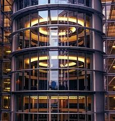 Turm der Entscheidungen (Reflex !) Tags: berlin rund bro gebude regierungsviertel