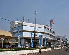 Honda Autoland Kelapa Gading - perspective fix (BxHxTxCx) Tags: building jakarta gedung dealermobilmotor motorcyclecardealer