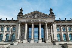 Reichstag Berlin (Jannik K) Tags: building berlin architecture germany deutschland samsung symmetry reichstag gouvernment symmetrie nx1