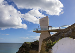 Lift to the Beach (Hans van der Boom) Tags: europe portugal algarve vacation holiday albufeira beach lift clouds bluesky pt