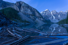Moraine Morning Blues (ken.krach (kjkmep)) Tags: lakemoraine banffnationalpark