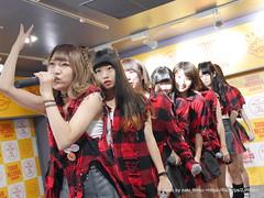 """さやの獲物を狙う目つき / HOT HEAT HEAT GIRLS 1st single """"JUMP"""" リリースイベントミニライブ @ タワーレコード渋谷店"""