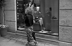 Fashion Capital (bingley0522) Tags: bessar2a leicasummicron50mmf20iii yellowfilter tmax400 hc110h epsonv500scanner milan milano fashion fashionista prada windowshopping